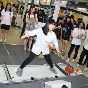 Embedded Fitness at Good Game Show Korea 2013