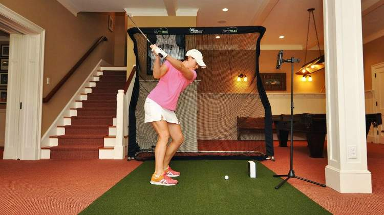 SkyTrak Personal Launch Monitor Offers Accurate Simulation for Indoor Golf Practice