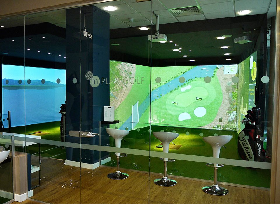 Sports coach offers world 39 s most accurate golf simulation for Indoor golf design